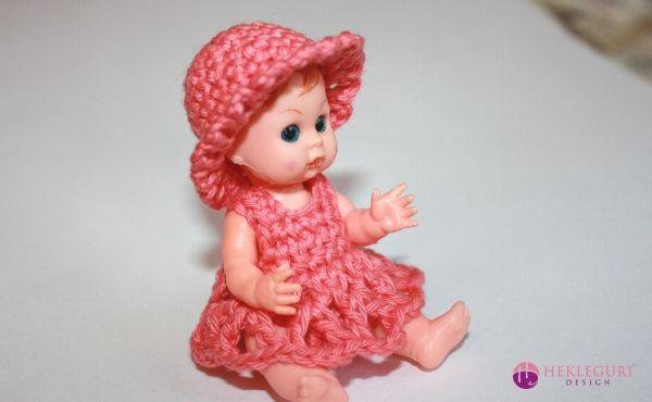 hekleoppskrift-dukke-8cm
