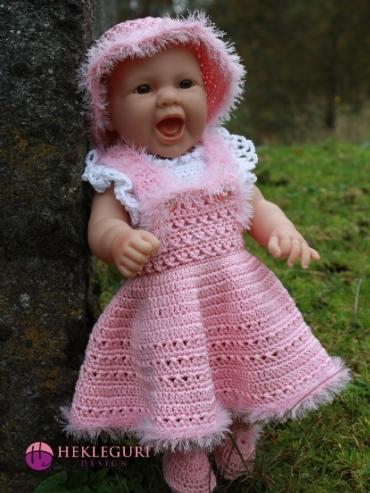 dukkeklær-hekleoppskrift-dukkekjole-pdf-oppskrift