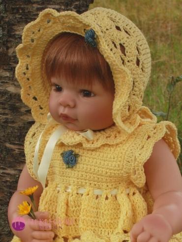dukkekjole-babykjole-oppskrift-dukker
